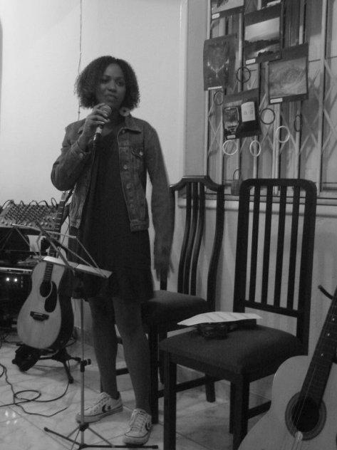 Raquel, a pérola negra, cantando Tim Maia.